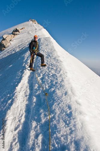 Alpinista sulla cresta del monte Castore - Gruppo del Rosa