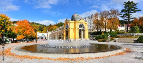 Leinwanddruck Bild Marianske Lazne Spa, Singing fountain, Czech Republic.