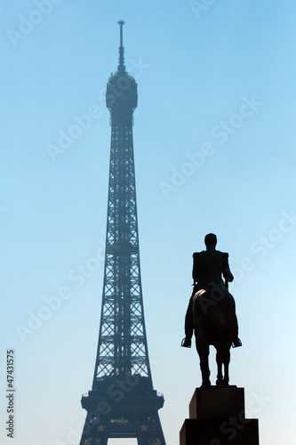 Sculpture Ferdinand Foch and Eiffel Tower