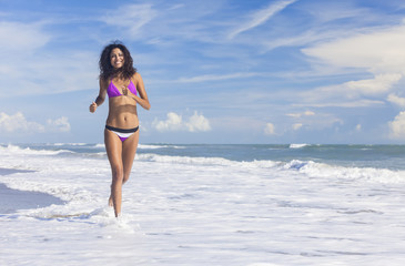 Sexy Bikini Woman Girl Running on Beach