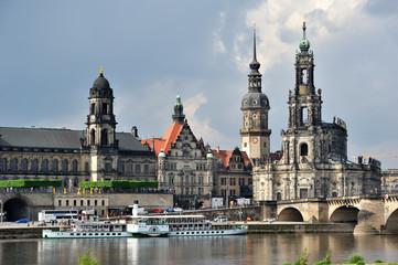 Dresden, Stadtansicht über die Elbe