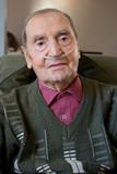 Homme 90s insuffisant respiratoire