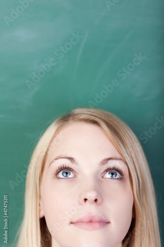 portrait vor der schultafel