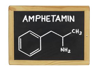 chemische Strukturformel von Amphetamin auf einer Schiefertafel