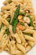 Pennette con asparagi, gamberetti e mandorle tostate