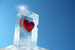 Herz in Eisblock