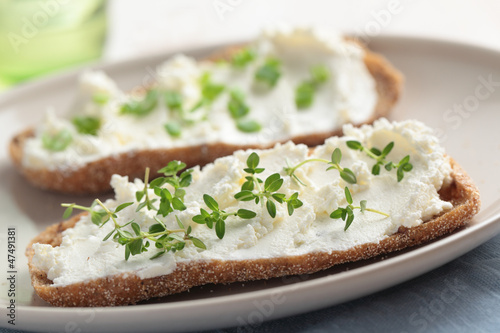 Sandwiches with soft cheese