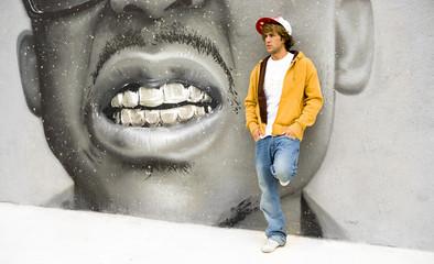 Rapero sobre graffiti