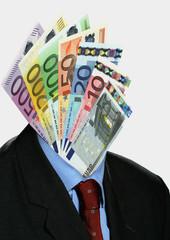 Euroscheine gefaechert auf  Kopf eines Anzugtraegers