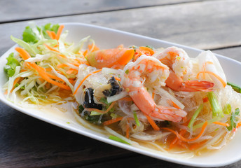 Thai vermicelli and seafood dress salad
