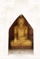バガン 黄金の仏陀
