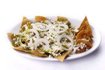 Chilaquiles en salsa verde. Comida mexicana