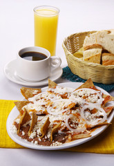 Chilaquiles rojo de México. Comida mexicana