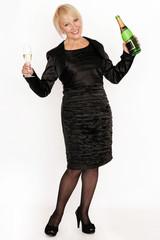 Frau mit Sektflasch und Sektglas