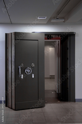 Bank Vault Door. Safe in stainless steel.