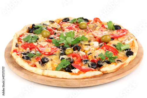 Deurstickers Vlees Tasty pizza with vegetables, chicken and olives isolated