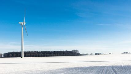 Windpark im Winter