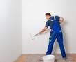 canvas print picture - mann beim streichen 4
