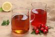 Tee aus Hagebutte und Rooibos