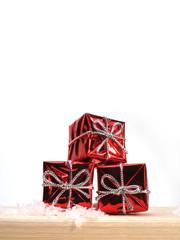 paquets cadeaux, rouge