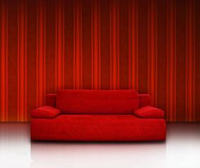 Rote Couch Vor Roter Streifentapete