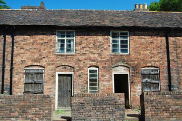 derelict historic houses