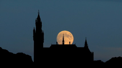 Nederland Peace palace Hague moonrise