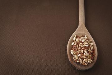 cucchiaio con cereali