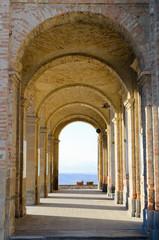 porticato della chiesa di S.G. Battista in Diano d'Alba