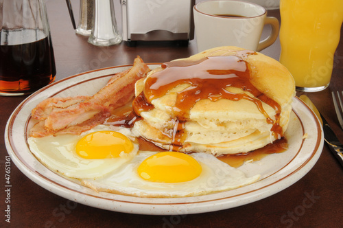 Bacon and eggs with pancakes