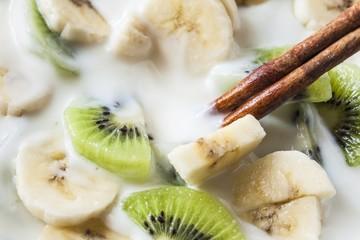 kiwi and banana yogurt