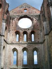Facciata interna abbazia San Galgano