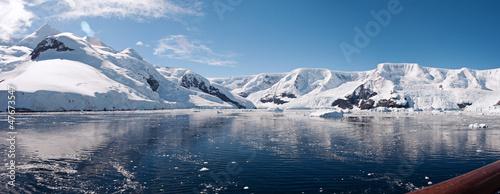 Foto op Canvas Antarctica Paradise bay in Antarctica