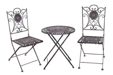 Tisch und Stühle aus Eisen