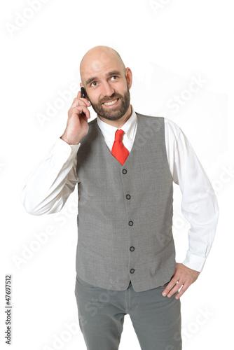 Lächelnder Geschäftsmann telefoniert
