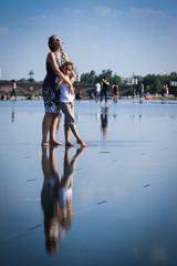 danser sur le plan d'eau en ville