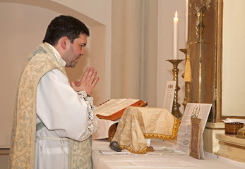 catholic priest with at tridentine mass