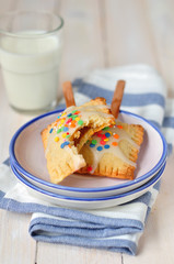 Pop-Tarts with Milk