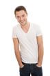 Lässiger junger Mann mit T-shirt & Jeans isoliert