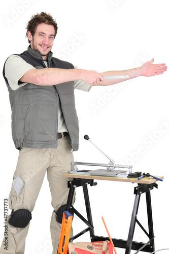 Tile cutter gesturing