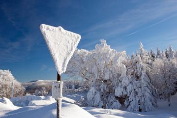 Winter, Schnee, Frost, Straßenschild ,Wind