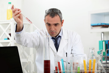 Scientist in a lab experiment