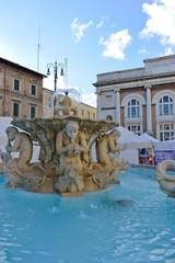 Fontana Piazza del Popolo, Pesaro