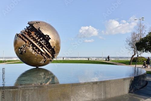 Leinwanddruck Bild Pesaro and the Great Ball of A. Pomodoro (sculptor)