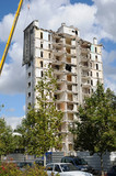 demolition of an old tower in Les mureaux