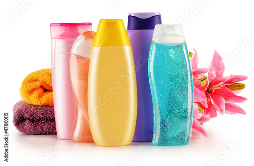 Plastic bottles of body care and beauty products - 47800115