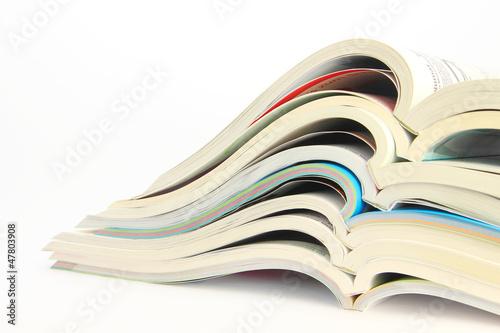 geöffnete Kataloge mit Textfreiraum