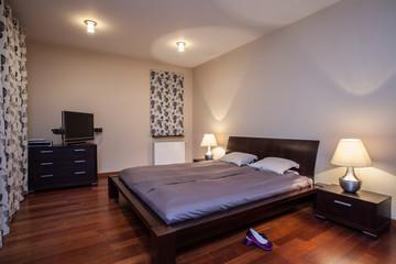 Travertine house - stylish bedroom