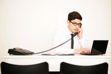 Geschäftsmann im Telefongespräch