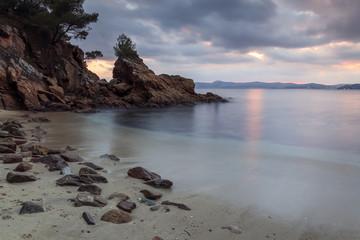 Coucher de soleil sur une plage près de Marseille